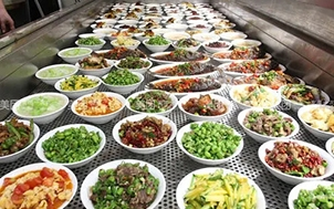 食品流通许可证到期如何换证?